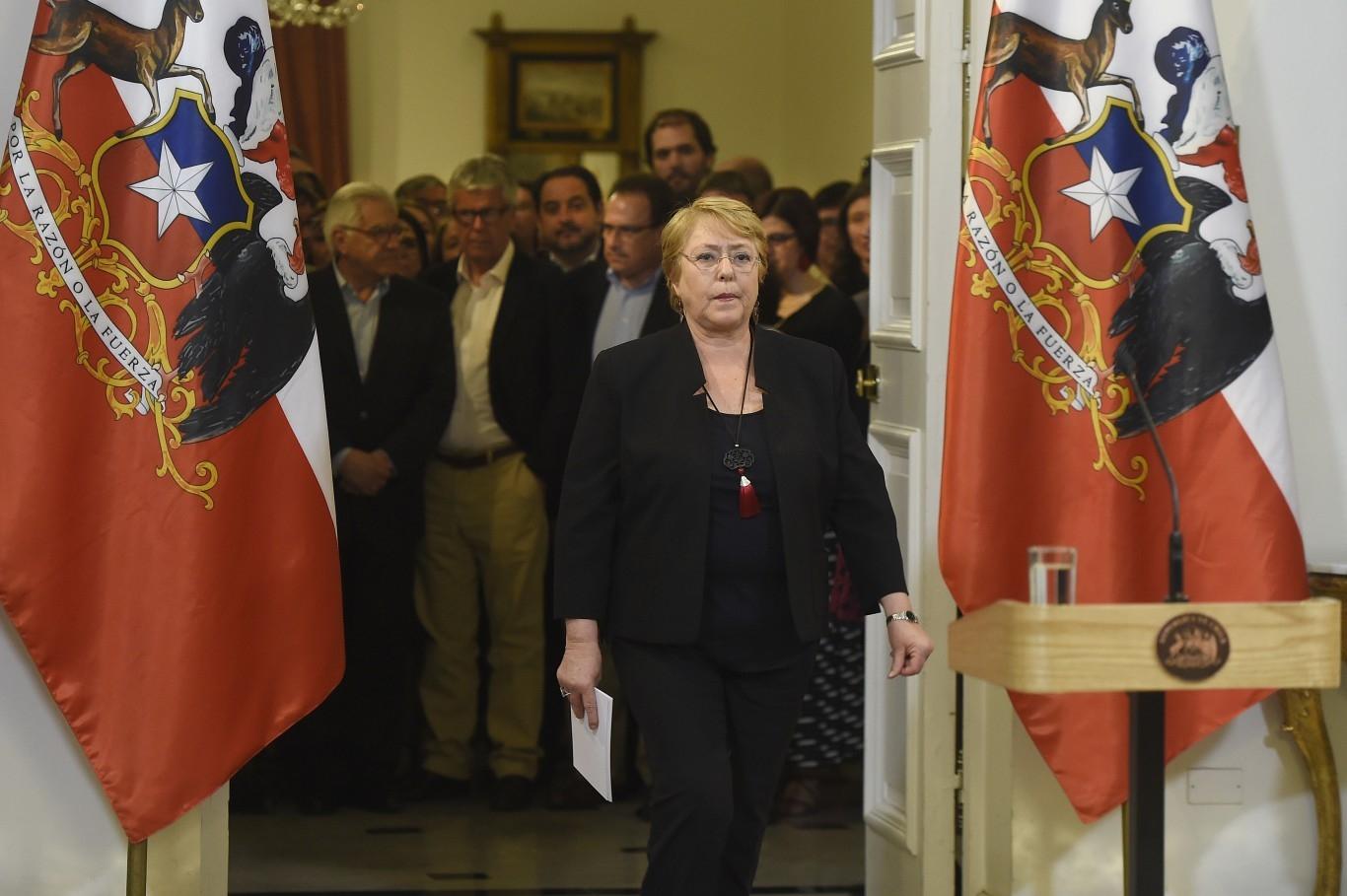 Bachelet tras cita con Guillier: