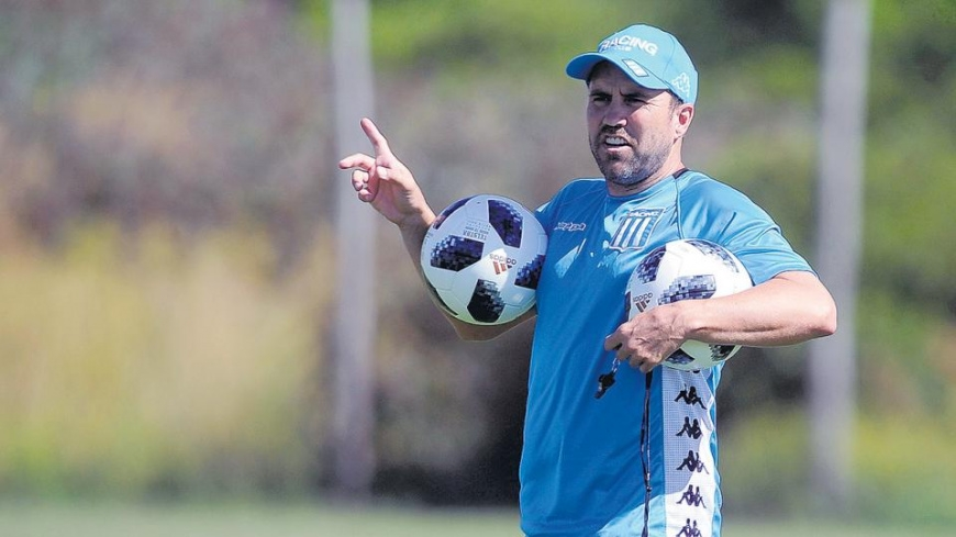 Racing y Temperley abren fuego en el debut de