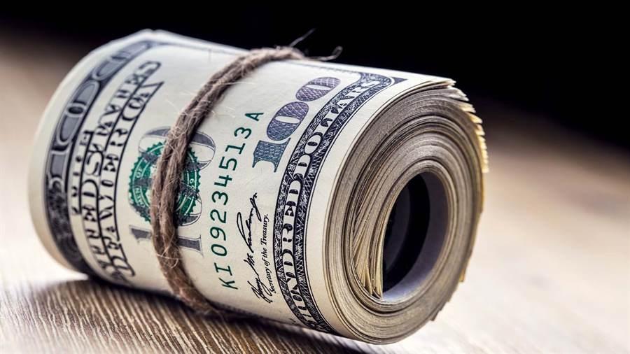 El dólar subió 14 centavos y cerró la semana a $ 19,29