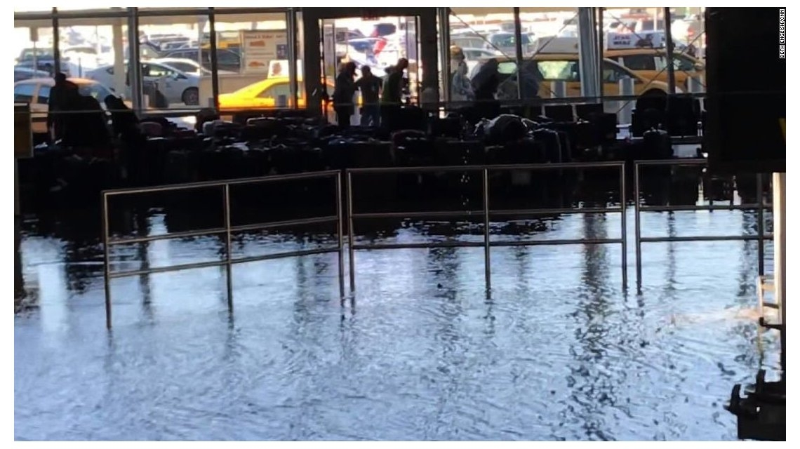 Se inundó parte del aeropuerto JFK de New York