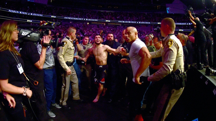 Conor McGregor vs Khabib Nurmagomedov al estilo de 'Avengers' es viral — Facebook