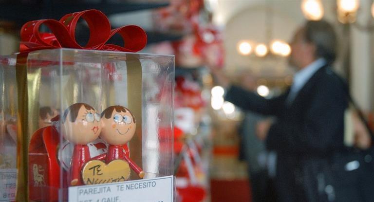 La austeridad llegó al amor: en San Valentín las ventas cayeron 2%