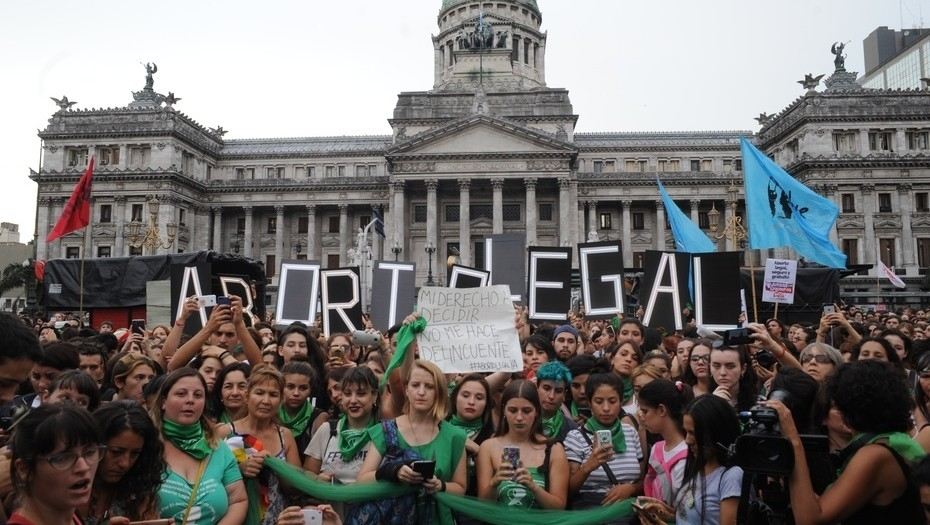 Macri dio luz verde para debatir el aborto en el Congreso