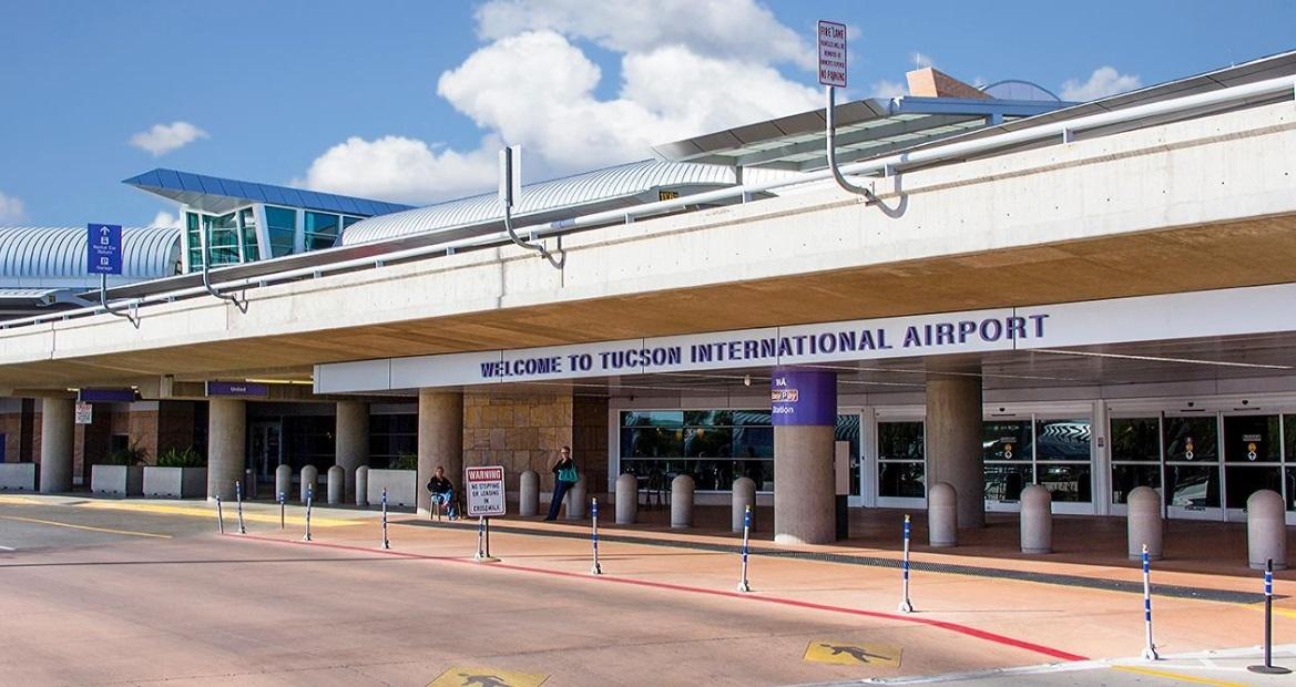 Mujer abandona a su bebé con conmovedora carta en aeropuerto