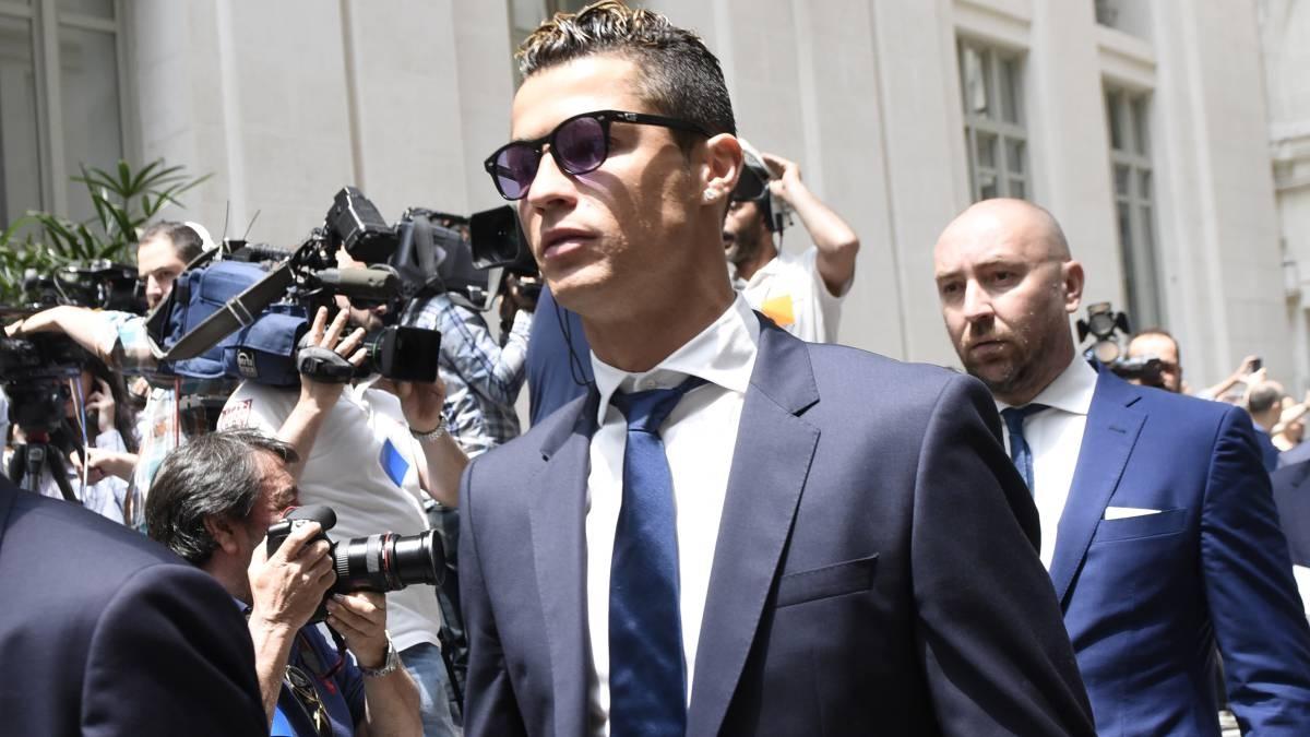 Modelo planea demandar a Cristiano Ronaldo por acoso sexual
