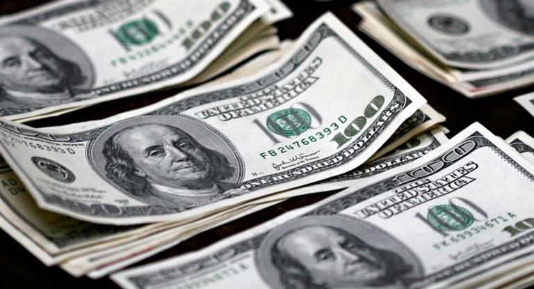 El dólar siguió en alza y volvió a superar su récord