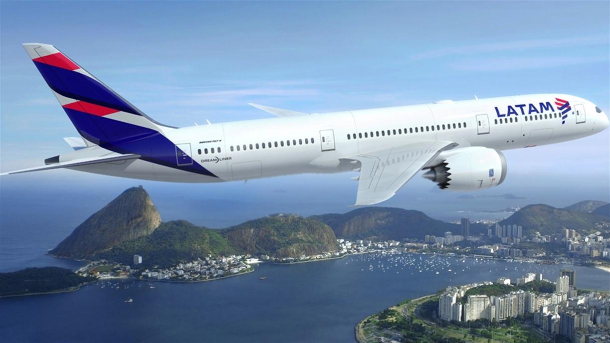 LATAM retira los vuelos hacia San Juan y Bahía Blanca
