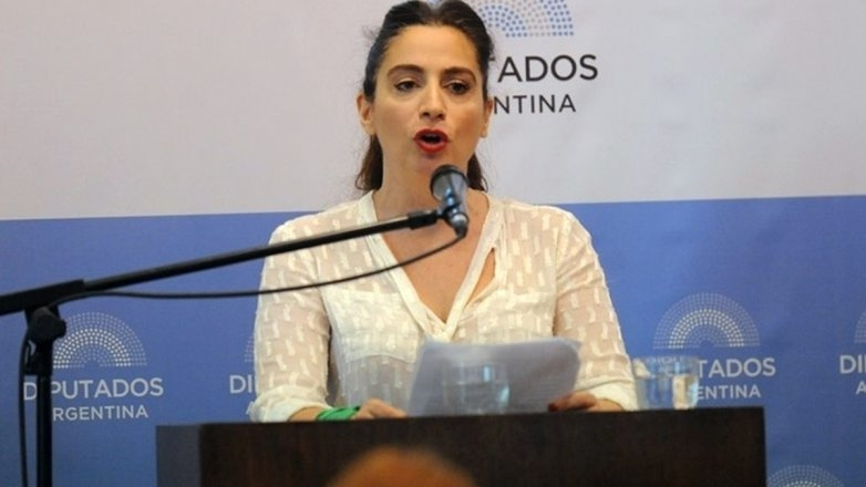 Julia Mengolini calificó de