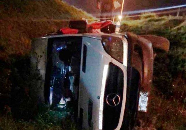El ex vocalista de Ráfaga volcó su camioneta en Santa Fe