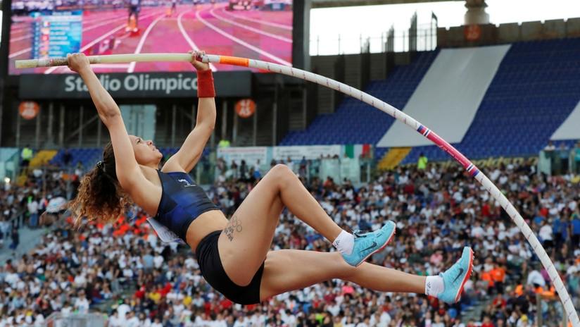 ¡Atleta sueca quebró su garrocha y luego batió récord con una prestada