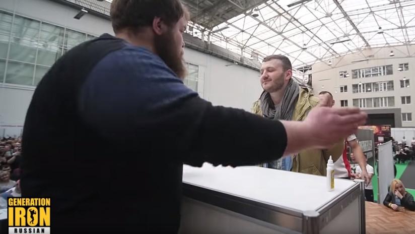 Tortazos de campeonato en el primer concurso de bofetadas del mundo