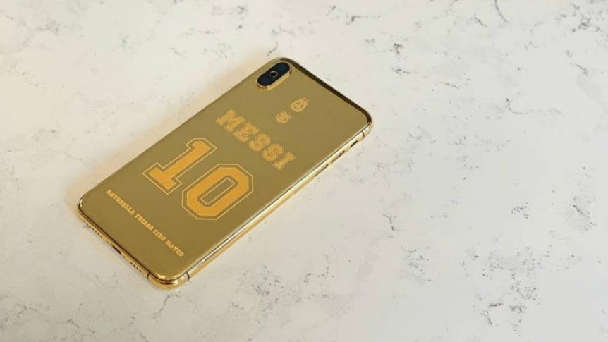 Leo Messi y su nuevo teléfono bañado en oro de 24 kilates