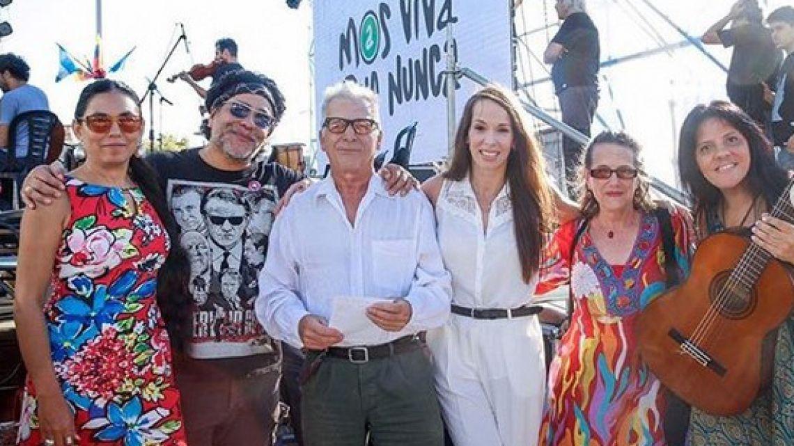 En ciudad de Argentina inauguran plaza en honor a Venezuela