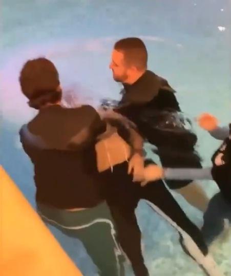 Alisson bautizó a Roberto Firmino y rompieron en llanto