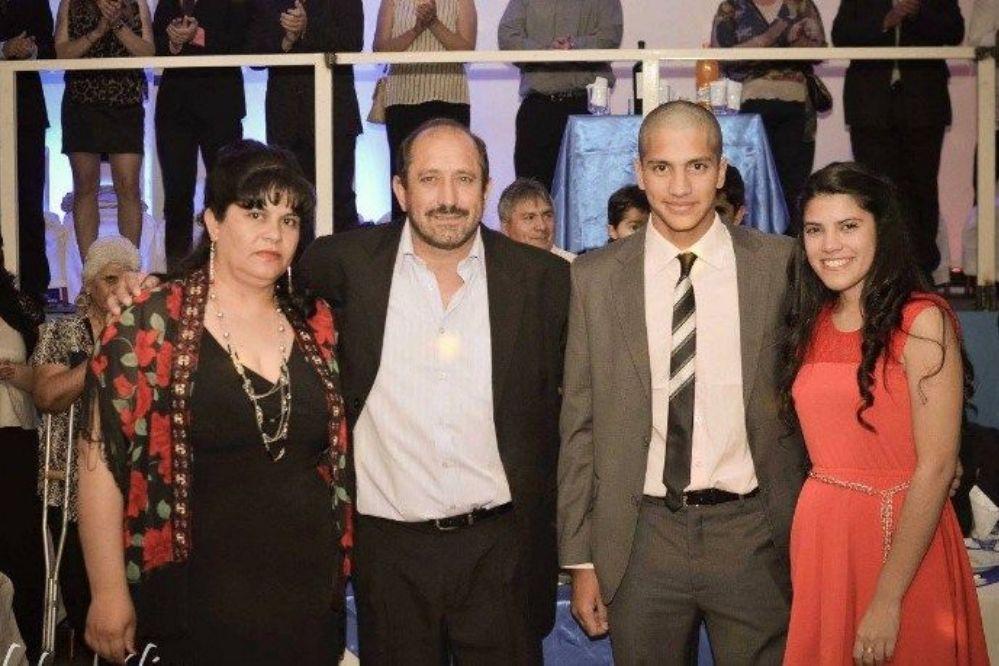Gil contra la familia de su esposa por rumores de violencia de género