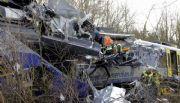Choque frontal de trenes en Alemania: ya son nueve los muertos y hay 150 heridos