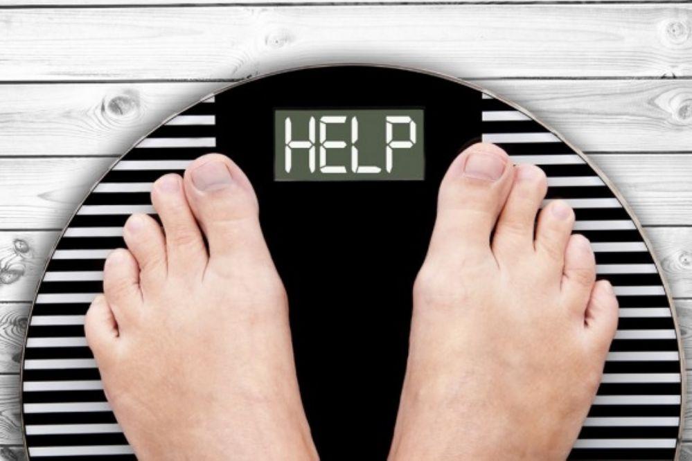Estoy haciendo ejercicio pero no consigo bajar de peso, las razones