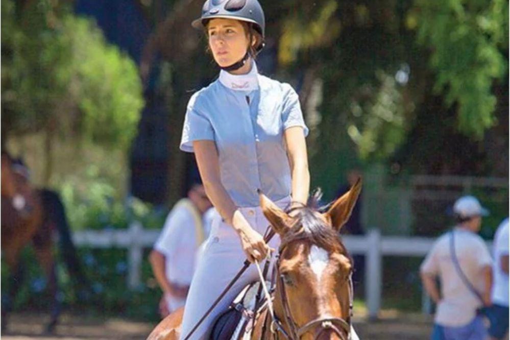 Candelaria repudia carreras de galgos pero hizo equitación