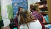 La maestra agredida por una madre no quiere volver a la escuela