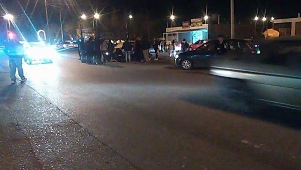 Un auto chocó a una moto en Mendoza casi Calle 5
