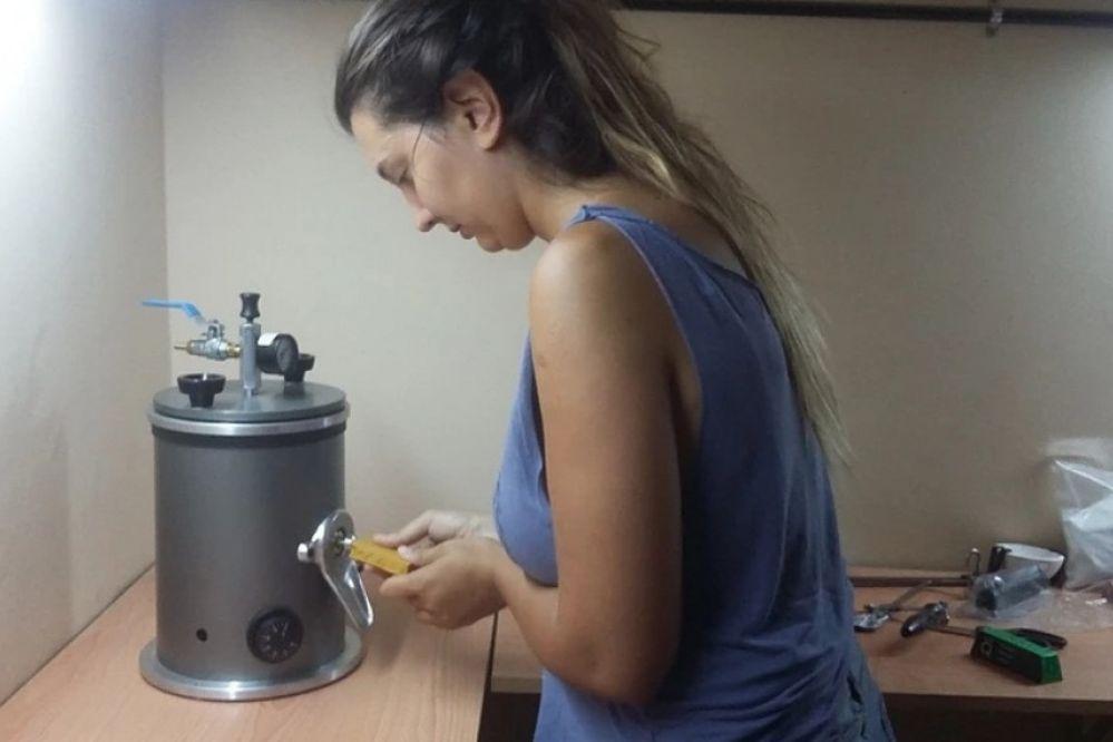El arte de la orfebrería y la joyería, de la mano de mujeres sanjuaninas