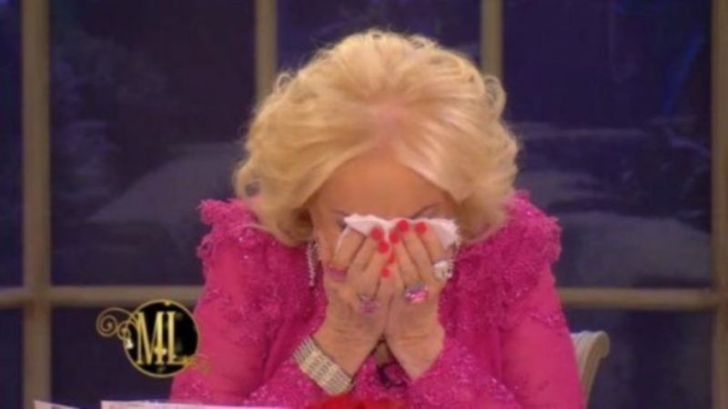 Le quitaron la mesa a Mirtha