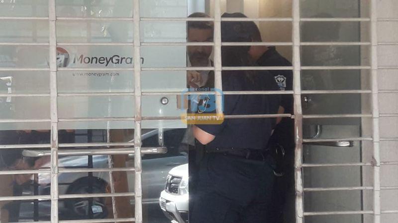 Pánico en la Peatonal por robo a financiera: los asaltantes estaban armados