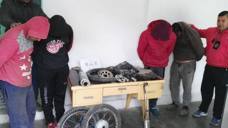 Allanamientos: cayó una banda que robaba y desmantelaba motos